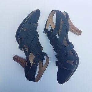 Naturalizer black heel Daphine
